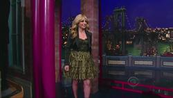 Sarah Michelle Gellar - David Letterman, Feb 6_2012  720p  mp4  caps