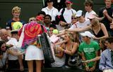 Maria Sharapova - Page 2 Th_90856_Maria_Sharapova_2006_Wimbledon_Championships__Day_Three_09