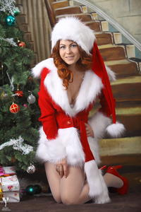 http://img28.imagevenue.com/loc28/th_531441425_silver_angels_Sandrinya_I_Christmas_1_072_123_28lo.jpg
