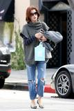 th_11256_Celebutopia-Kate_Walsh_with_ripped_jeans_in_Hollywood-13_122_914lo.JPG